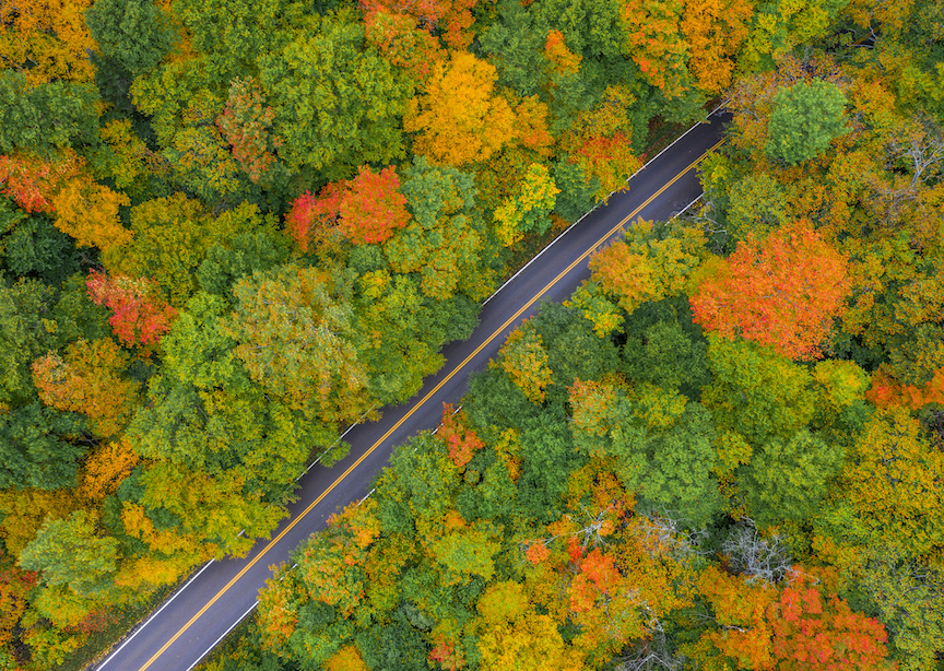 USA Vermont Stowe Smugglers Notch Road Flanked By Fall Foliage